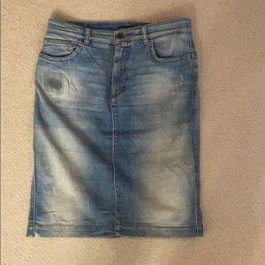 D&G jean skirt